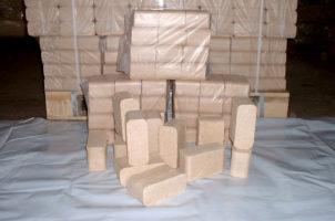 4. Spänebriketts in 10 kg Säcken